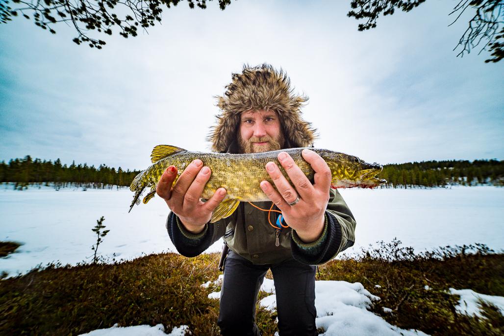 icefishing-8-of-11