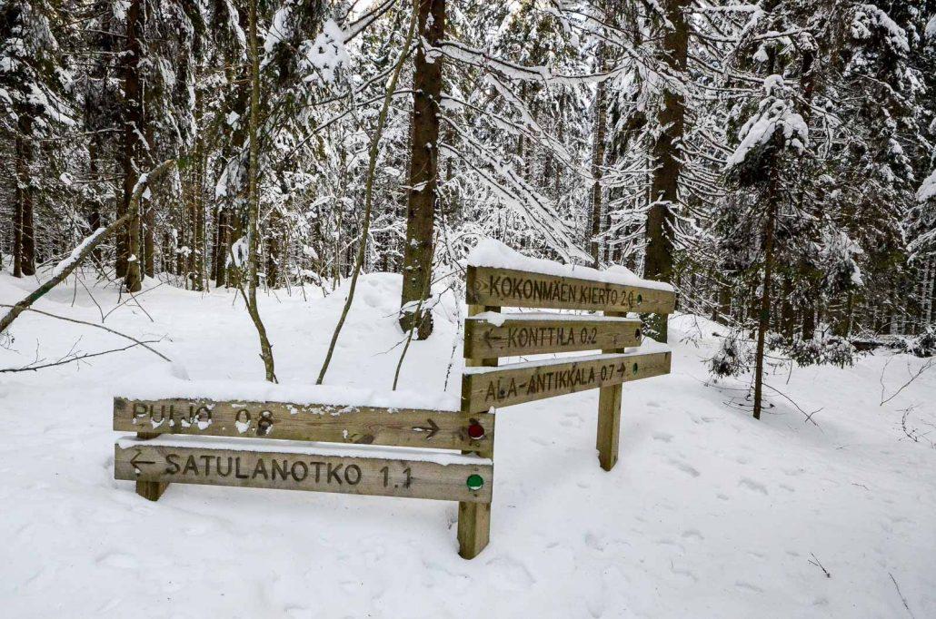 Trail signs at Puijo, Kuopio in winter. Photo: Upe Nykänen